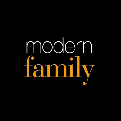 Modern Family cast re-creates its first table-read photo