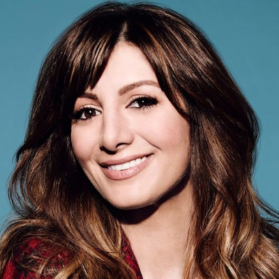 Tbs Revives Chad Which Has 37 Year Old Nasim Pedrad Play A 14 Year Old Boy Primetimer