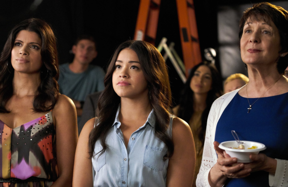 Andrea Navedo, Gina Rodriguez and Ivonne Coll in <i>Jane the Virgin</i> (The CW)