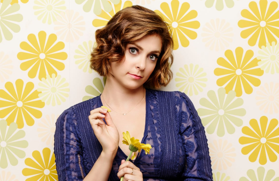 Rachel Bloom stars in Crazy Ex-Girlfriend (The CW)
