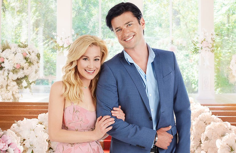 Kellie Pickler and Wes Brown star in Wedding at Graceland (Hallmark)