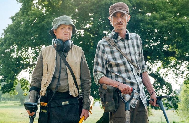 Toby Jones and Mackenzie Crook star in <i>Detectorists</i> (BBC)
