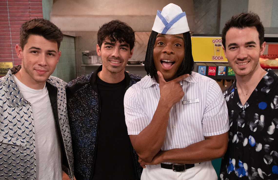 The Jonas Brothers and Kel Mitchell appear in tonight's rebooted All That (Nickelodeon)