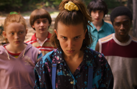 Sadie Sink, Noah Schnapp, Millie Bobby Brown, Finn Wolfhard, Caleb McLaughlin in Stranger Things (Netflix)