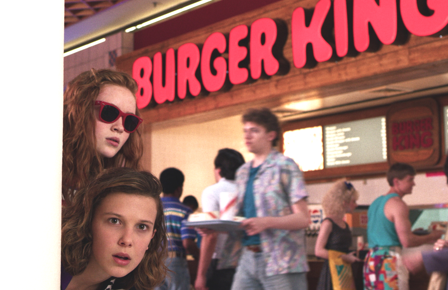Max Mayfield (Sadie Sink) and Eleven (Millie Bobby Brown) at the mall. Who else is suddenly hungry for a Whopper? (Netflix)