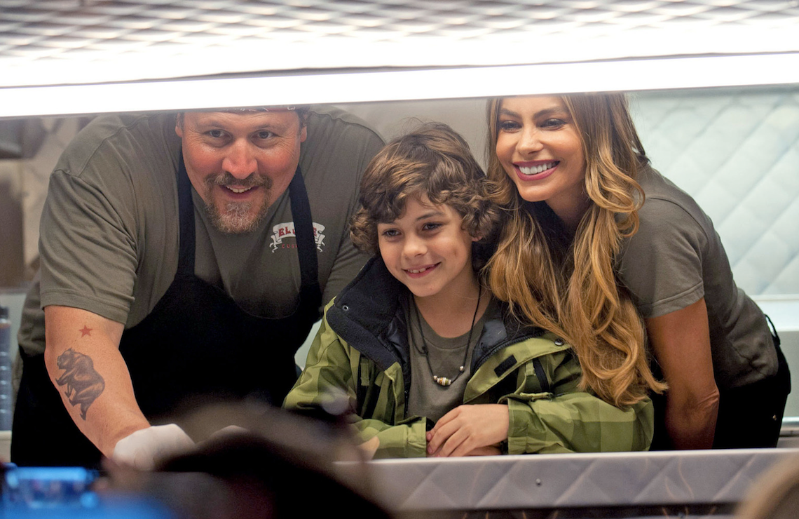 Emjay Anthony, Jon Favreau, and Sofia Vergara in Chef, now available on Pluto TV. (Universal Pictures)