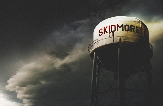 The Skidmore, MO water tower as seen in No One Saw a Thing (SundanceTV)