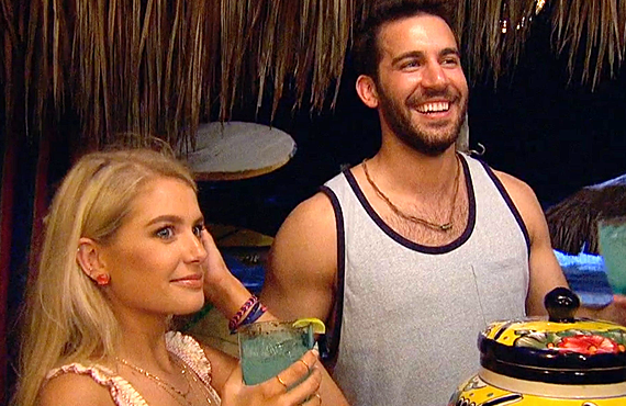Demi Burnett  and Derek Peth in tonight's Bachelor in Paradise premiere (ABC)