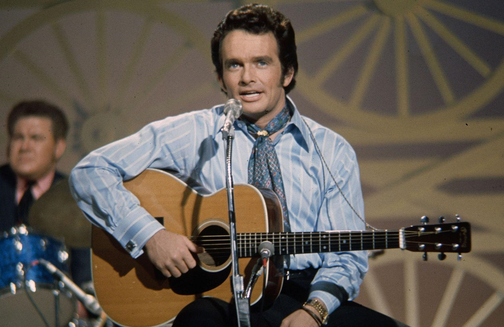 An image from Country Music of Merle Haggard on the set of The Johnny Cash Show in 1970 .(Photo: Les Leverett / PBS)