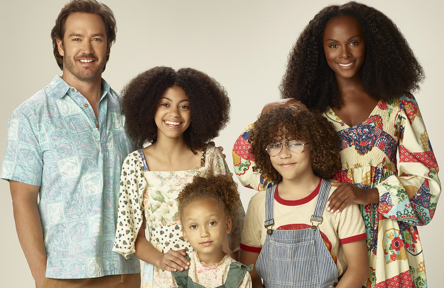 Mark-Paul Gosselaar, Arica Himmel, Mykal-Michelle Harris, Ethan William Childress and Tika Sumpter star in Mixed-ish.  (Photo: ABC/Brian Bowen Smith)