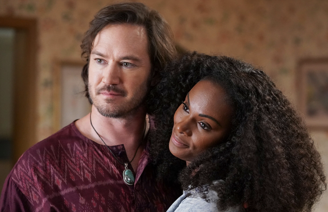 Mark-Paul Gosselaar and Tika Sumpter star in <i>Mixed-ish</i> (ABC)