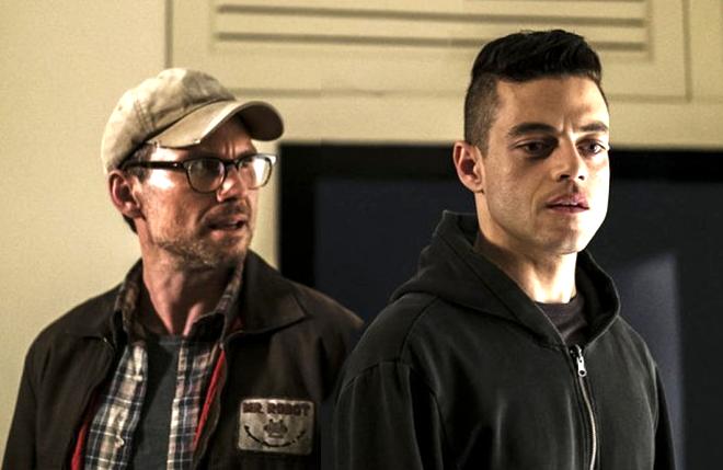 Christian Slater and Rami Malek in Mr Robot (USA)