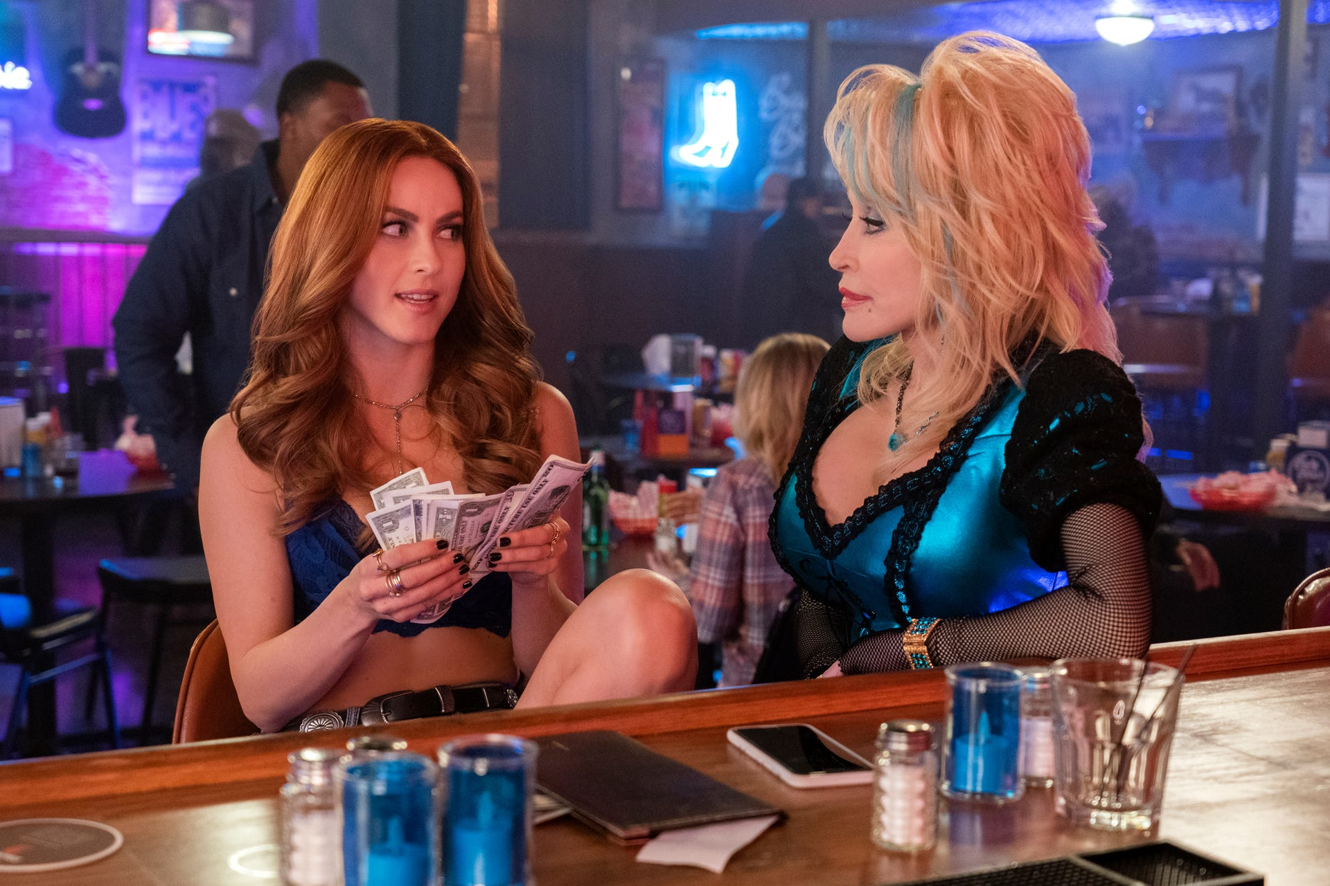 ulianne Hough and Dolly Parton in Dolly Parton's Heartstrings. (Tina Rowden/Netflix)