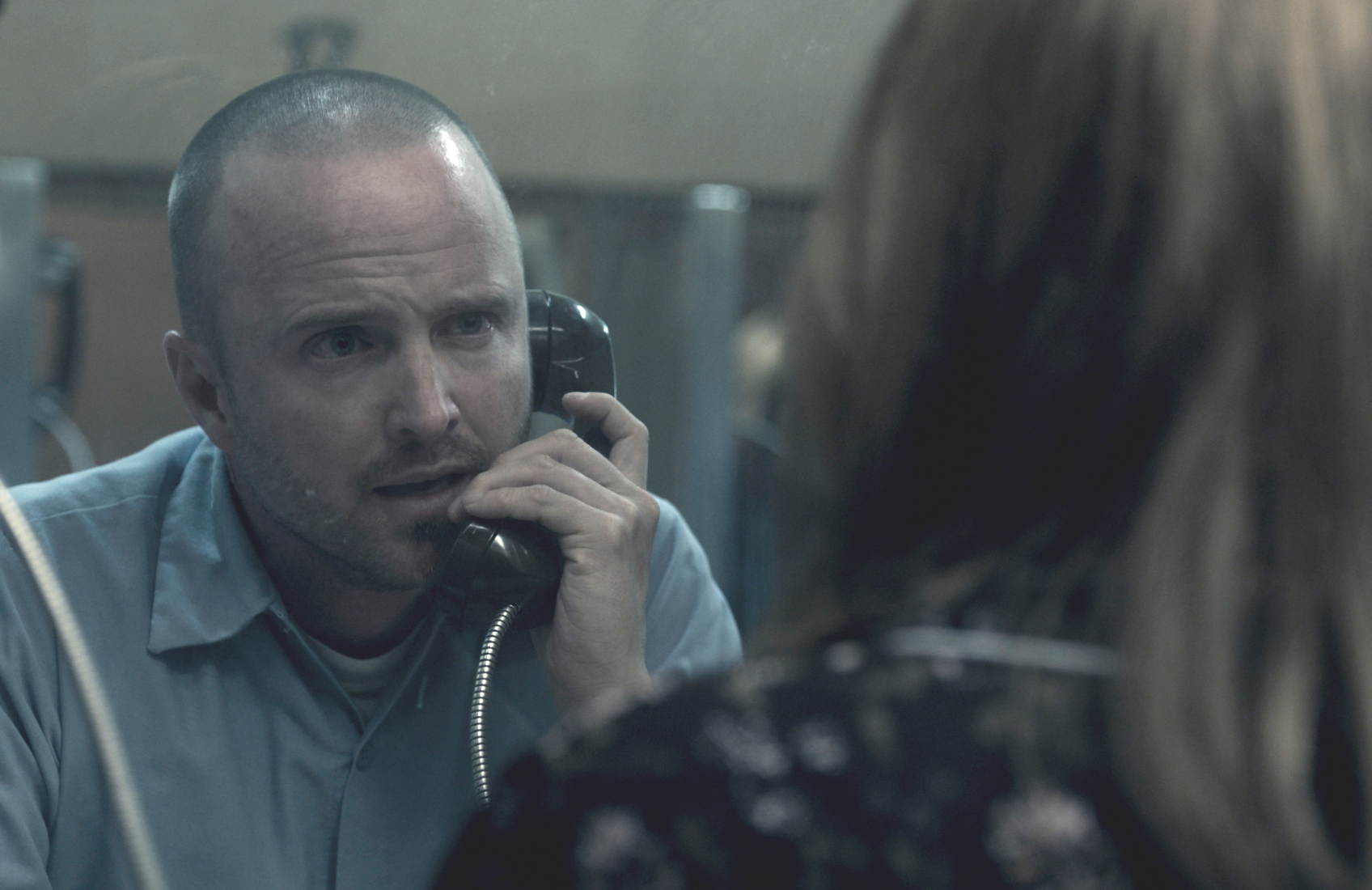 Aaron Paul plays Warren Cave in Truth Be Told. (Apple TV+)
