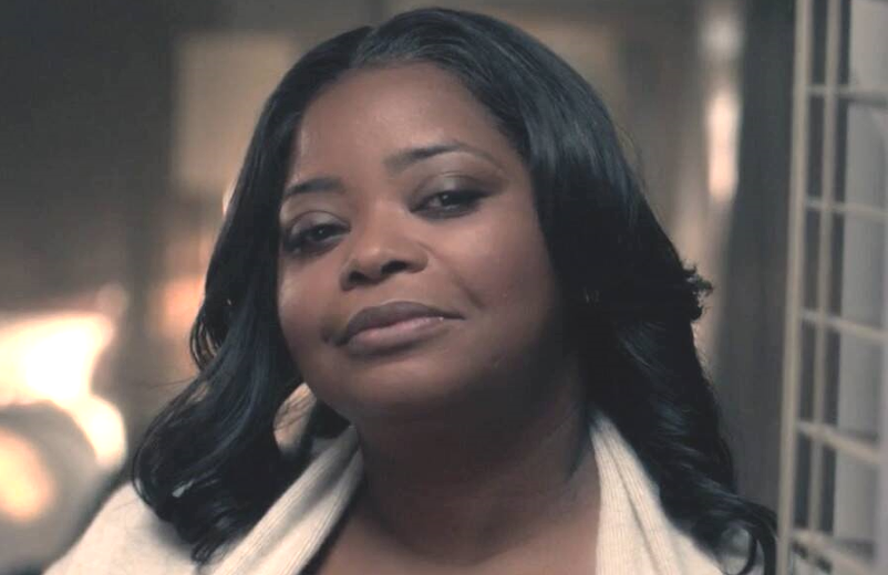 Octavia Spencer plays journalist and podcaster Poppy Parnell in Truth Be Told. (Apple TV+)