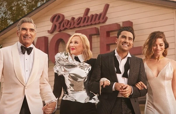 Eugene Levy, Catherine, O'Hara, Dan Levy, and Annie Murphy in Schitt's Creek. (CBC/Pop TV)
