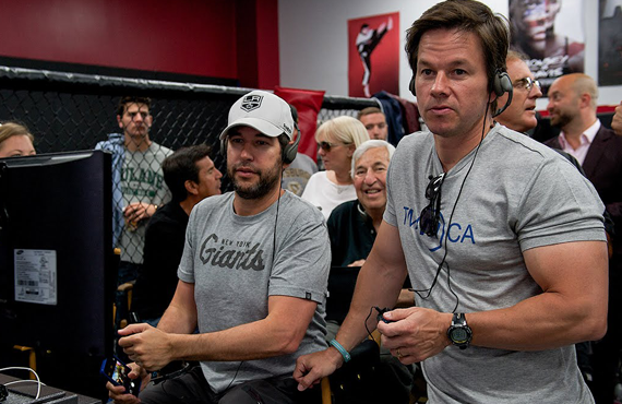 Doug Ellin and Mark Wahlberg on the set of Entourage. (HBO)