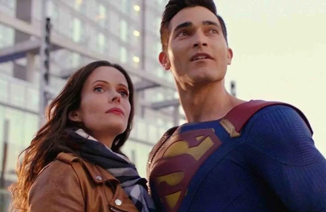 Supergirl's Elizabeth Tulloch and Tyler Hoechlin reprise their roles the world's most famous super hero and Metropolis' most famous journalist in Superman & Lois. (The CW)