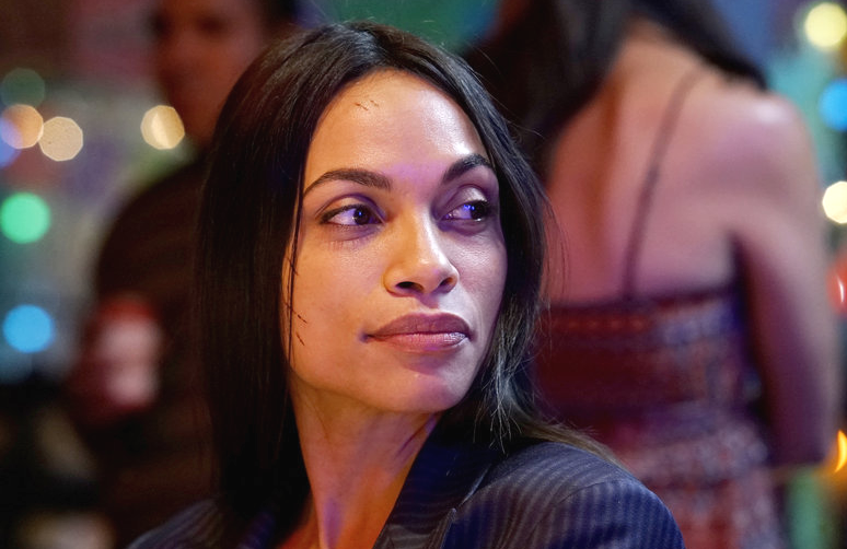 Rosario Dawson, still bearing scars from the explosion in last week's episode of Briarpatch, returns for more. (Photo: Richard Foreman/USA Network)
