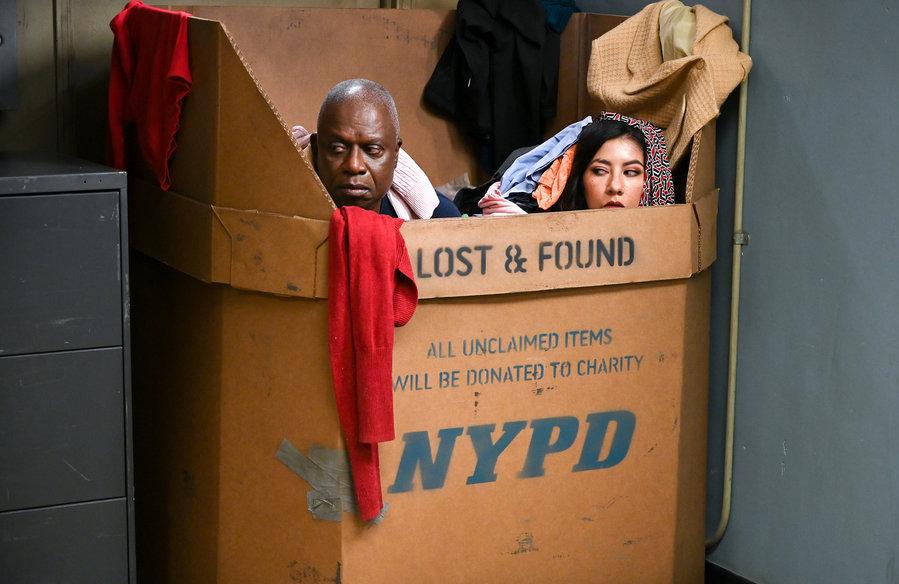 Andre Braugher as Ray Holt and Stephanie Beatriz as Rosa Diaz in tonight's Brooklyn Nine-Nine. (Photo: John P. Fleenor/NBC)