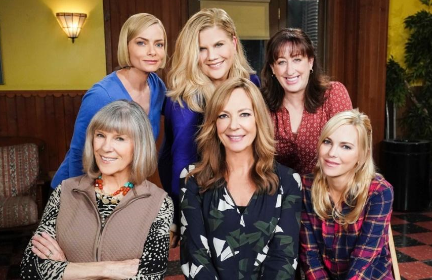 Jaime Pressly, Kristen Johnston, Beth Hall, Mimi Kennedy, Allison Janney and Anna Faris in Mom. (CBS)