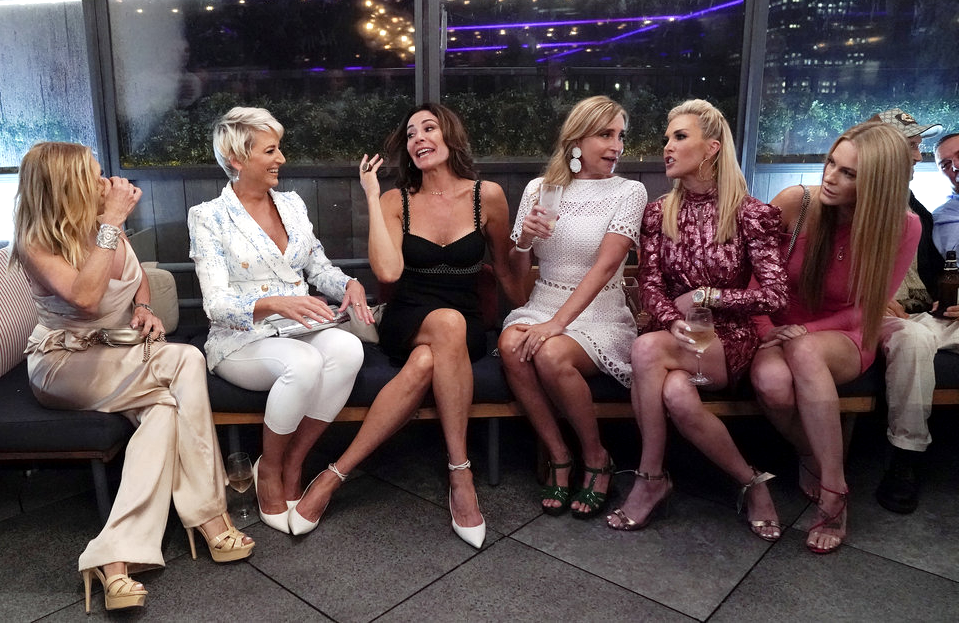 Ramona Singer, Dorinda Medley, Luann de Lesseps, Sonja Morgan, Tinsley Mortimer and Leah McSweeney in RHONYC. (Photo: Heidi Gutman/Bravo)