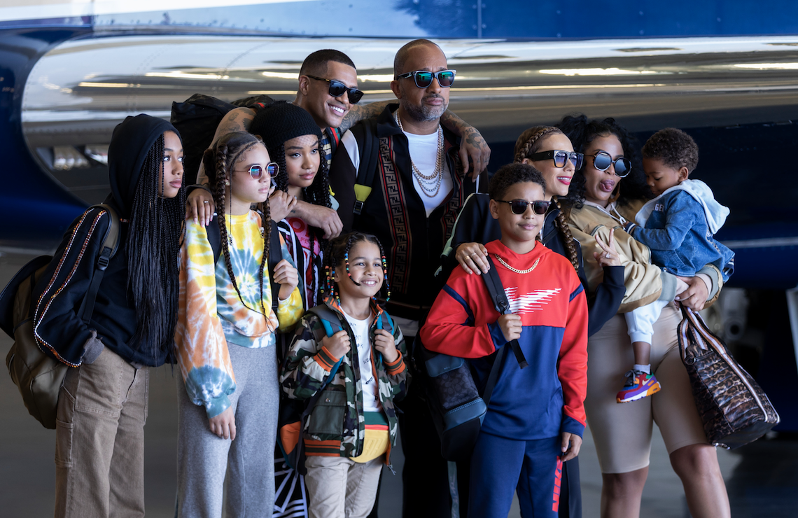 Kenya Barris and his fictional family in #blackAF (Netflix)