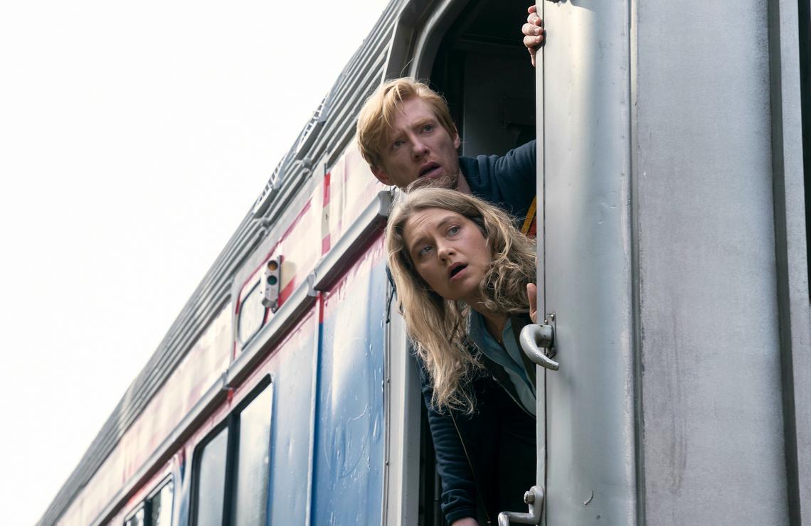 Domhnall Gleeson and Merritt Wever in Run. (HBO)