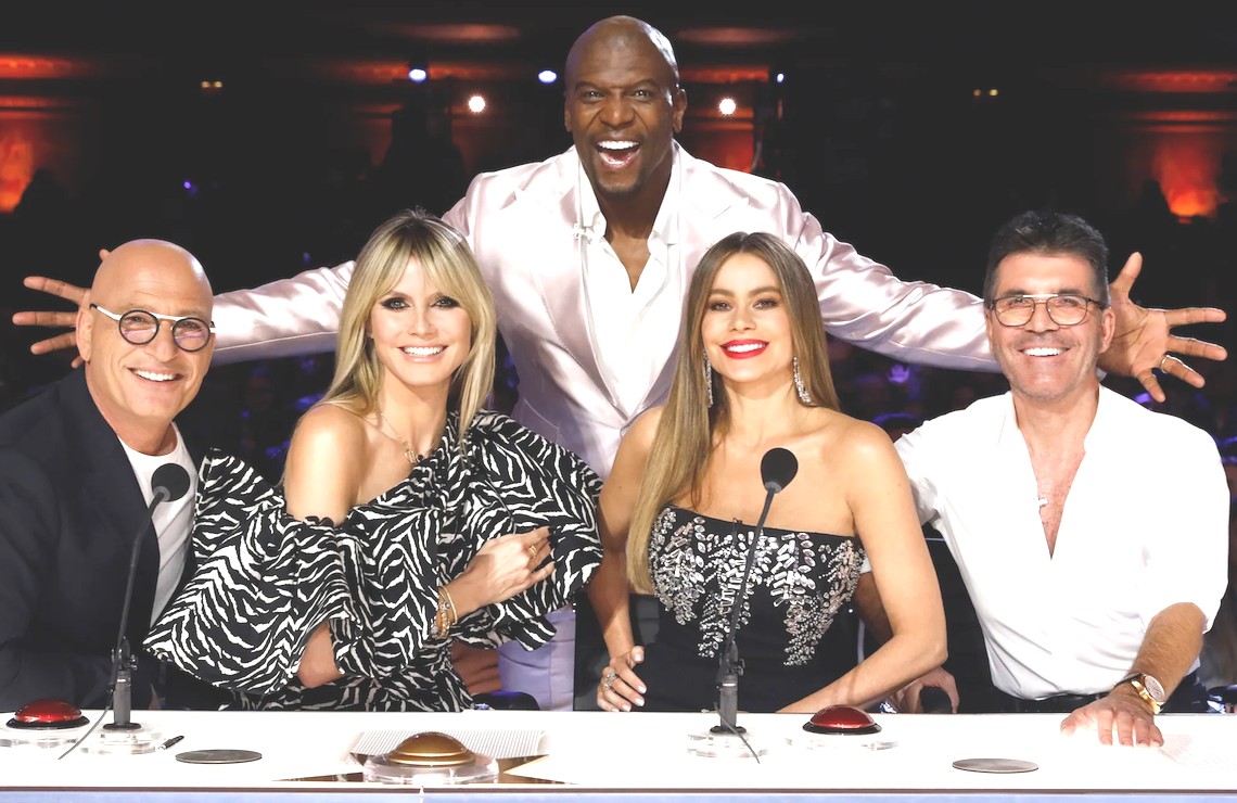 Howie Mandel, Heidi Klum, Terry Crews, Sofia Vergara, and Simon Cowell on America's Got Talent. (Trae Patton/NBC)
