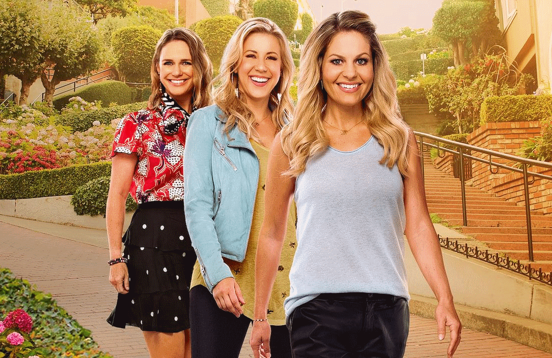Andrea Barber, Jodie Sweetin and Candace Cameron Bure in Fuller House (Netflix)