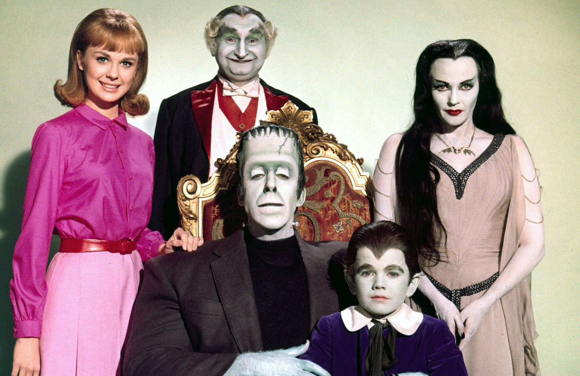 Pat Priest, Al Lewis, Fred Gwynne, Yvonne De Carlo, and Butch Patrick in The Munsters. (CBS)