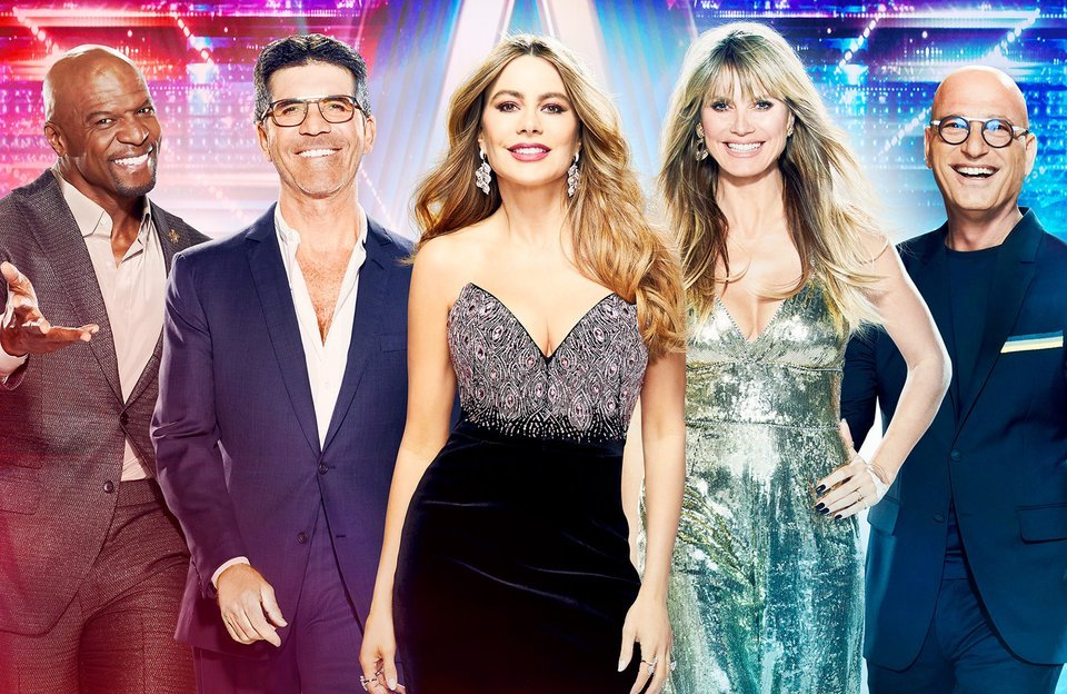 Terry Crews, Simon Cowell, Sofia Vergara, Heidi Klum and Howie Mandel in a promotional image for America's Got Talent. ( NBC)