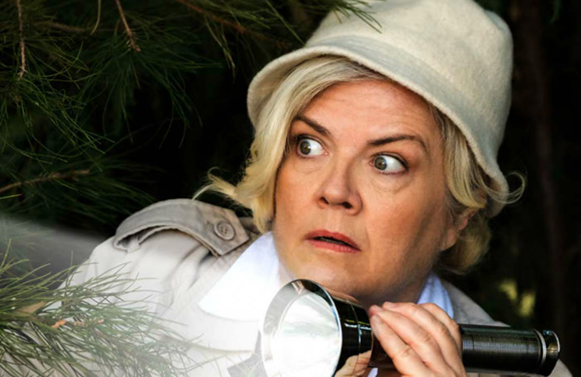 Paula Pell in Mapleworth Murders. (Quibi)