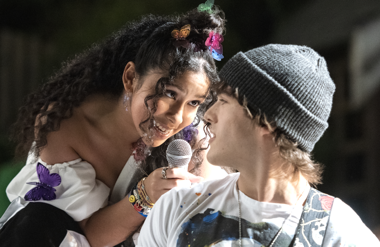 Madison Reyes and Charlie Gillespie in a scene from Julie and the Phantoms (Photo: Kailey Schwerman/Netflix)