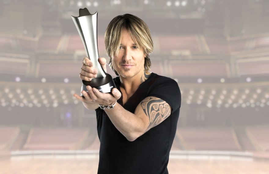 Keith Urban hosts the 55th Annual Academy of Country Music Awards from Nasville. (Photo: Russ Harrington/CBS)