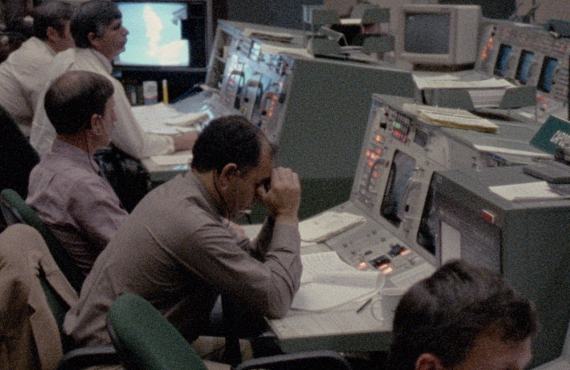 The scene in mission control in the aftermath of the disaster. (Photo: Netflix)