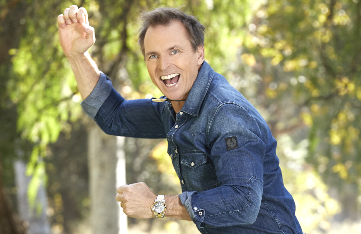 Amazing Race host Phil Keoghan is raring to go. (Photo: Sonja Flemming/CBS)