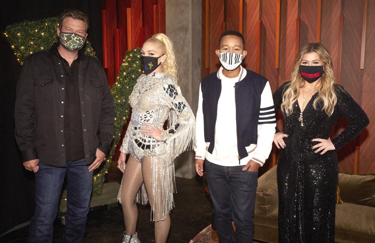 Blake Shelton, Gwen Stefani,  John Legend, and Kelly Clarkson on the set of The Voice. (Photo: Trae Patton/NBC)