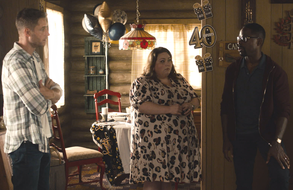 Justin Hartley, Chrissy Metz and Sterling K. Brown in a scene from tonight's two-hour season premiere of This is Us. (Photo: NBC)