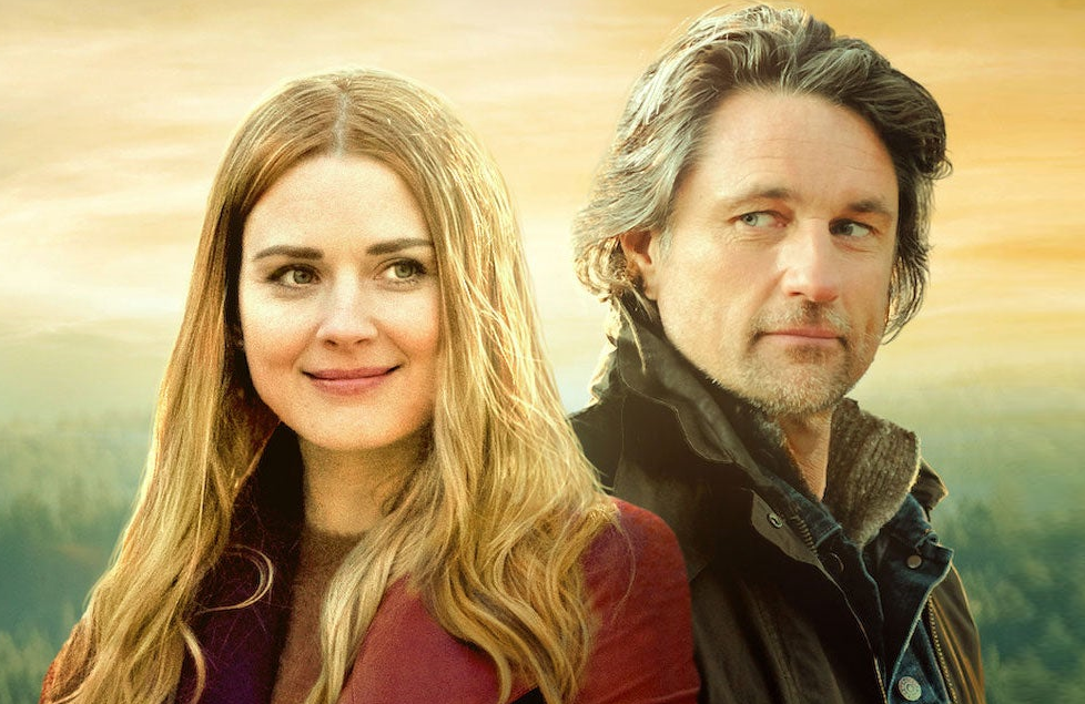 Alexandra Breckenridge and Martin Henderson in Virgin River. (Netflix)