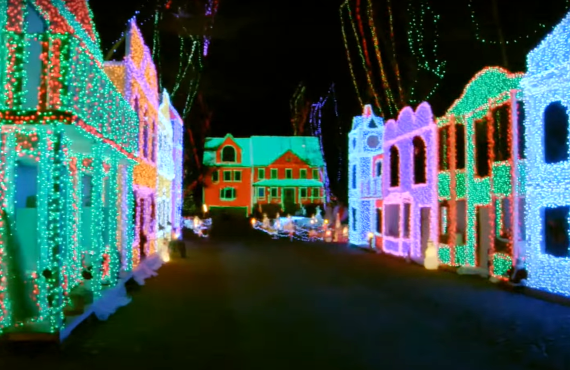 The Great Christmas Light Fight (ABC)