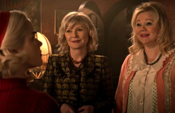 Kiernan Shipka, Beth Broderick, Caroline Rhea in Chilling Adventures of Sabrina (Netflix)