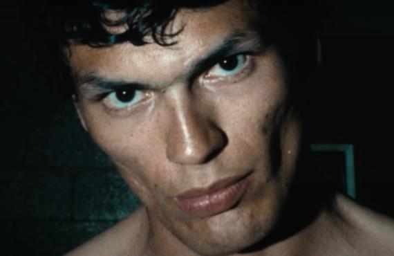 Night Stalker: The Hunt for a Serial Killer (Netflix)