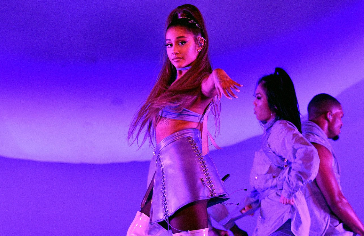 Ariana Grande hits the stage in Excuse Me, I LoveYou. (Netflix)