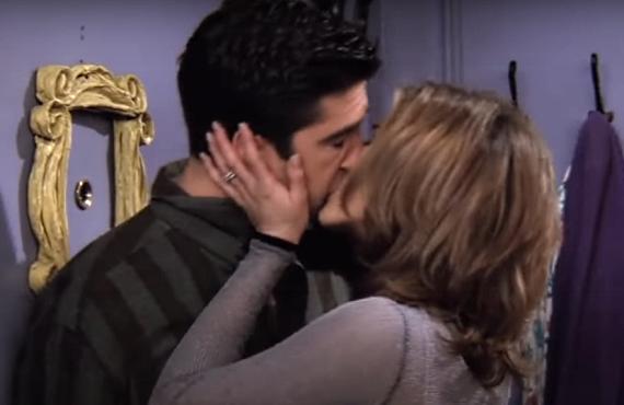 David Schwimmer and Jennifer Aniston on Friends (NBC)
