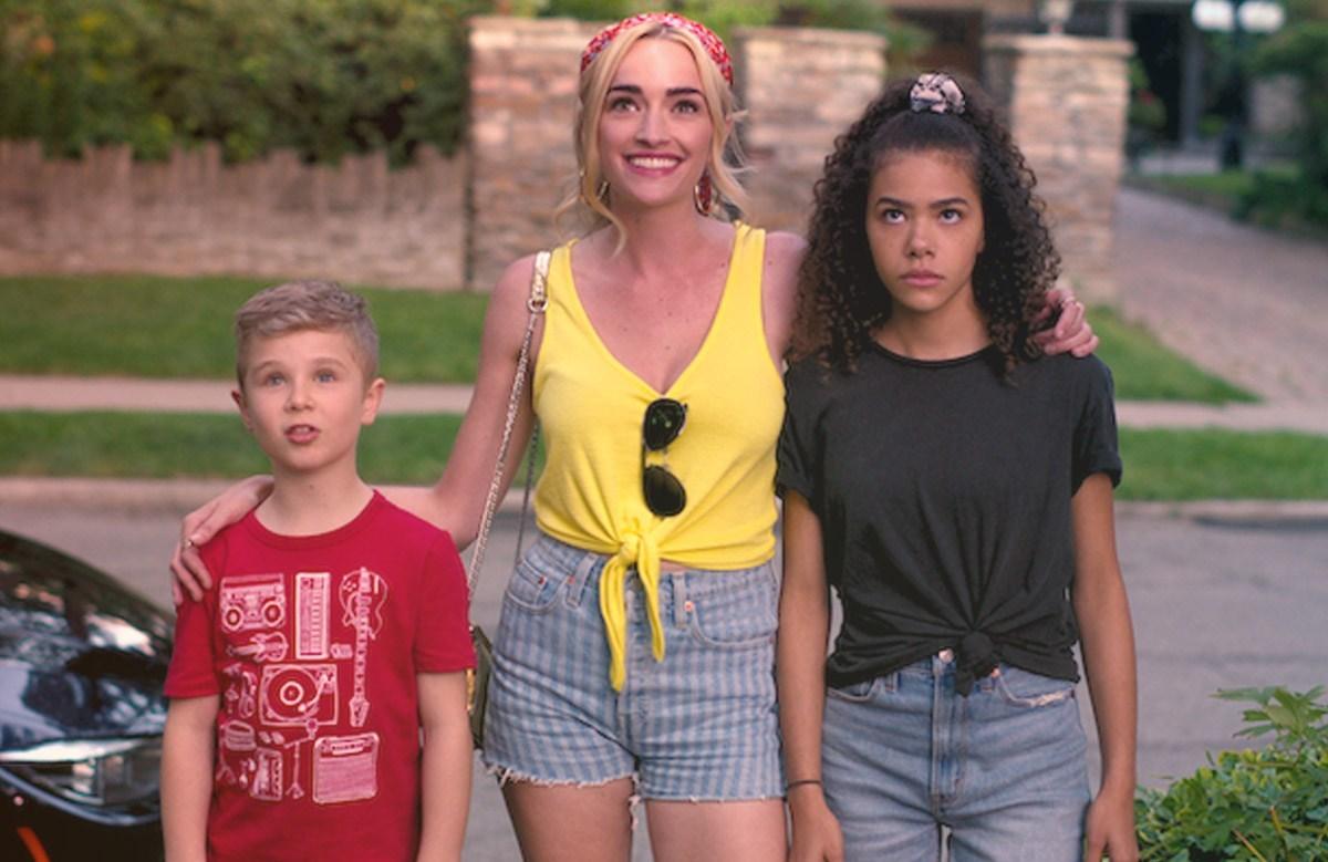 Diesel La Torraca, Brianne Howe and Antonia Gentry in Ginny & Georgia. (Netflix)