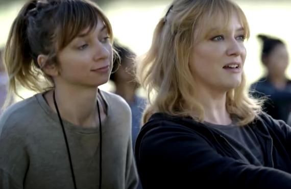 Lauren Lapkus and Christina Hendricks in Good Girls (NBC)