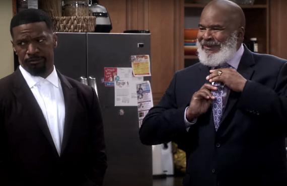 Jamie Foxx and David Alan Grier in Dad Stop Embarrassing Me (Netflix)