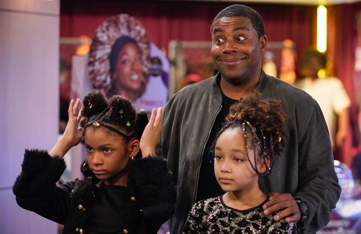 Kenan Thompson with his on-screen daughters, played by Dani and Dannah Lane (Casey Durkin/NBC)