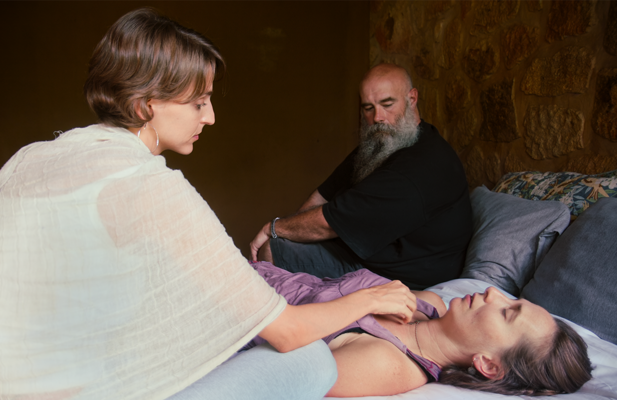 A tantric sex practitioner in Unwell (Netflix)
